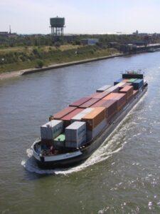 Bessere Integration des Binnenschiffs in die Logistikkette gewünscht